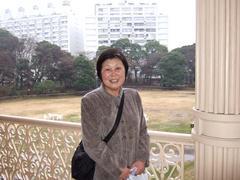 旧岩崎邸庭園/洋館から庭を見る