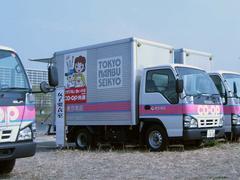 トラックの更衣室